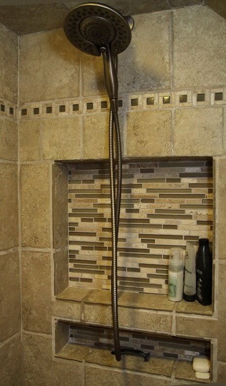 30 Bathroom And Shower Storage Ideas_09