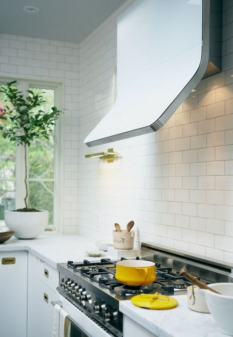 40 Kitchen Vent Range Hood Design Ideas_02