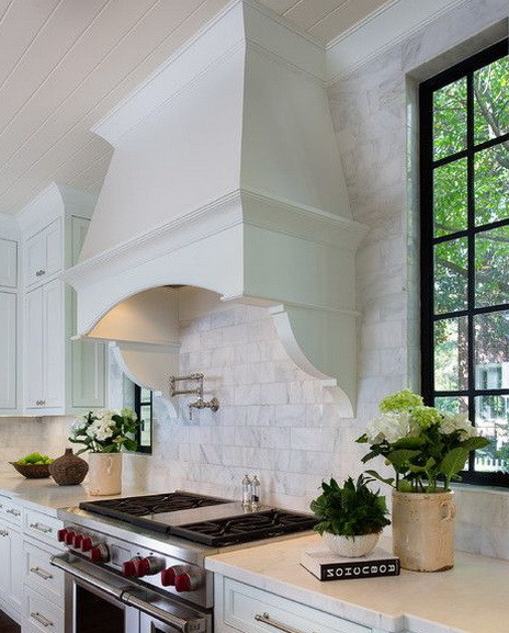 40 Kitchen Vent Range Hood Design Ideas_13