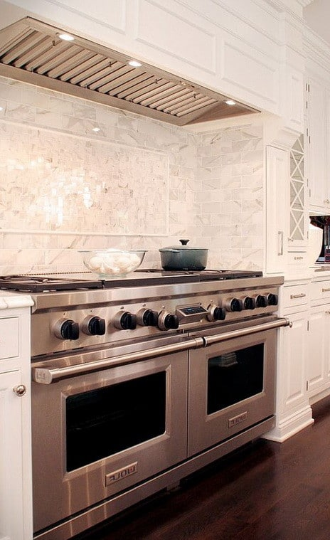 40 Kitchen Vent Range Hood Design Ideas_18