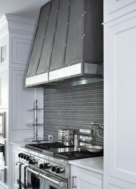 40 Kitchen Vent Range Hood Design Ideas_26
