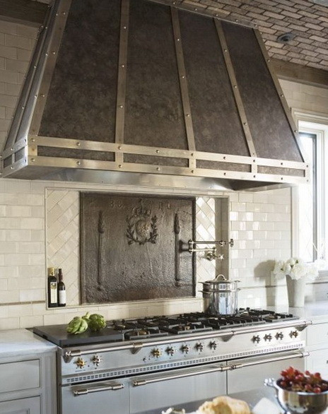 40 Kitchen Vent Range Hood Design Ideas_31