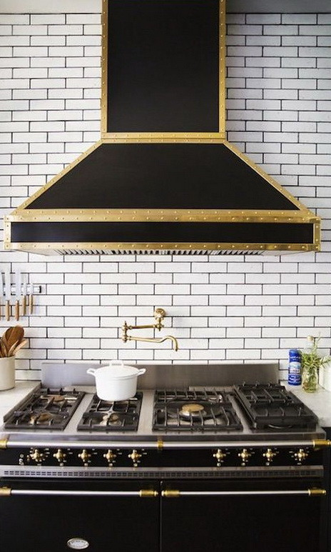 40 Kitchen Vent Range Hood Design Ideas_37