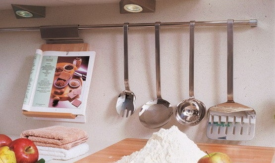 Kitchen Rail Storage Ideas_25